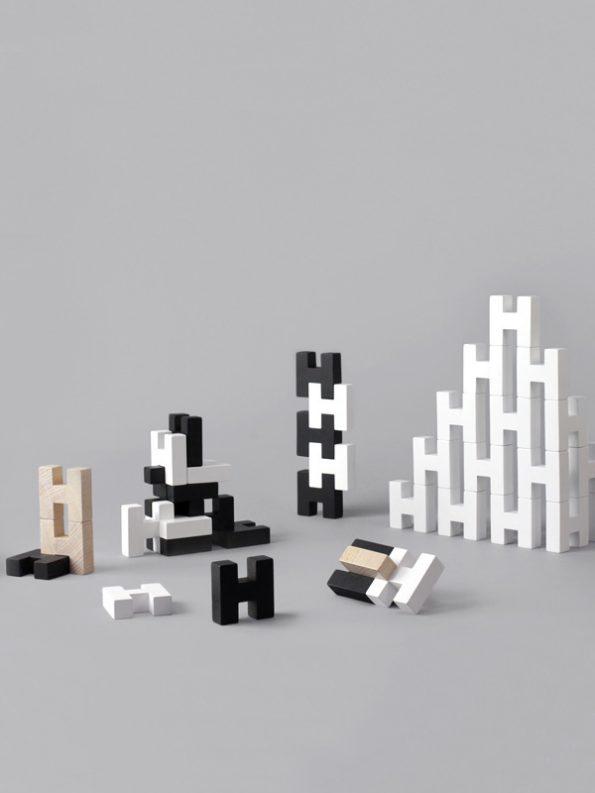 H Block – Black