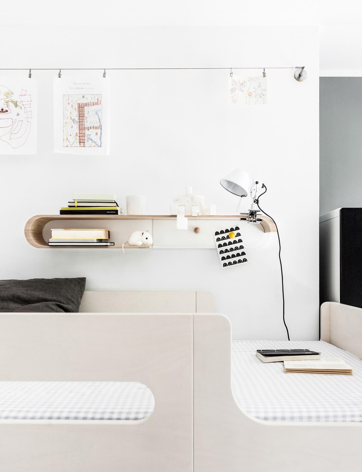 S Shelf - Natural / White