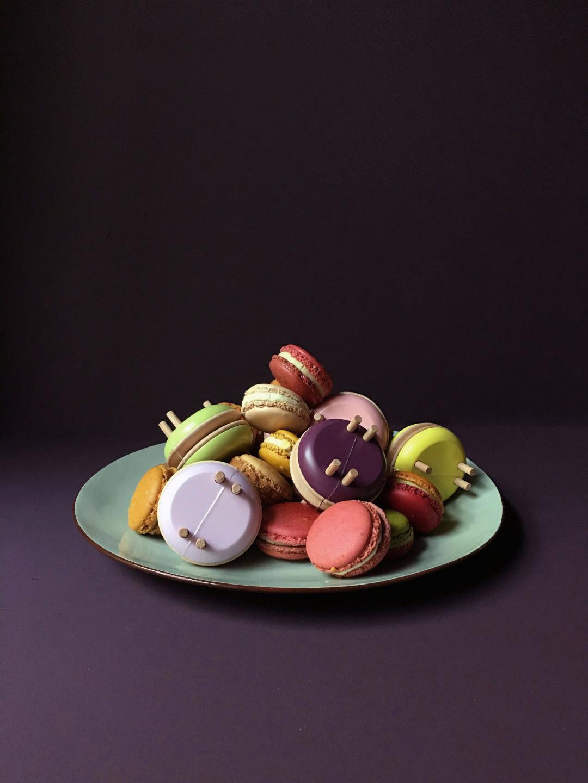 Macaron Pom Maker - Blackberry