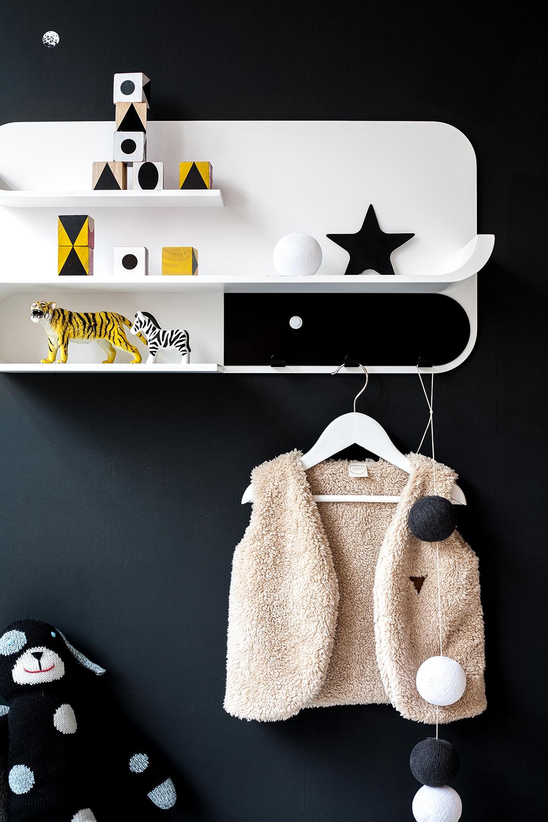 M Shelf - White / Black